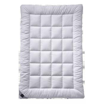 Одеяло с синтетическим наполнителем Billerbeck Classic Clean Superlight 135/200 см.