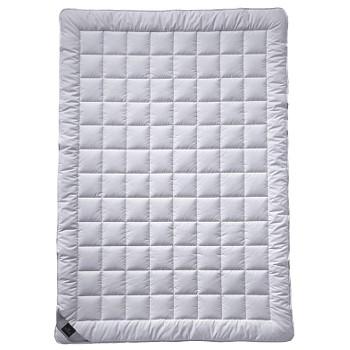 Одеяло шелковое Billerbeck Sari Superlight 135/200 см.